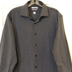 Van Heusen Classic Fit black white shirt 16 32/33